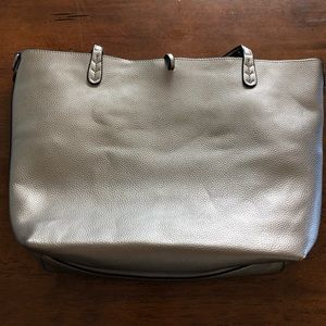 Tote with insert